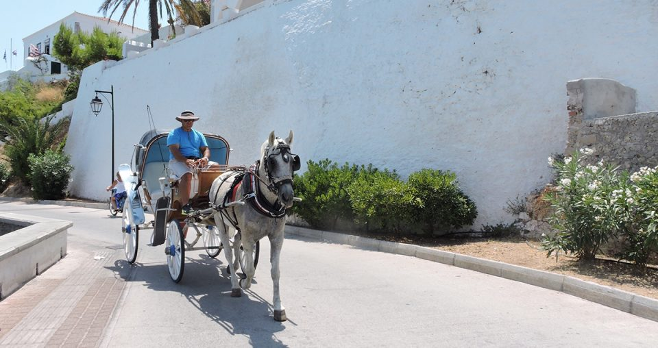 Reasons to visit Spetses island